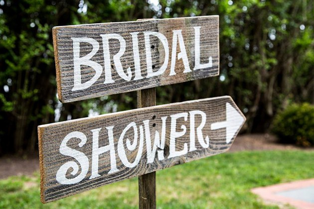 blogs-aisle-say-chloe-melas-bridal-shower-sign
